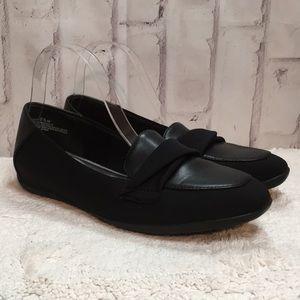 EUC Black ballet Flats MemoryFoam BareTraps